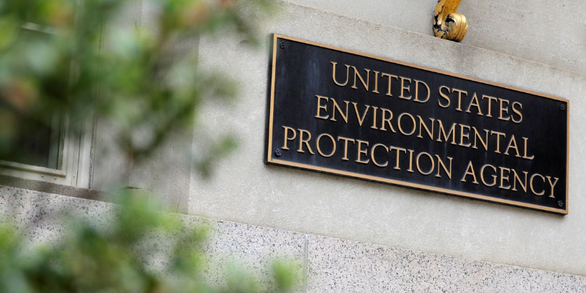 U.S. EPA shoots to push vehicle fuel efficiency to 52 mpg by 2026